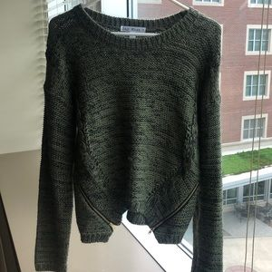 Oversized green sweater with gold zipper (L)